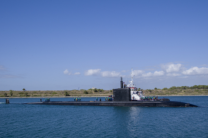 USS Toledo in turning basin 700