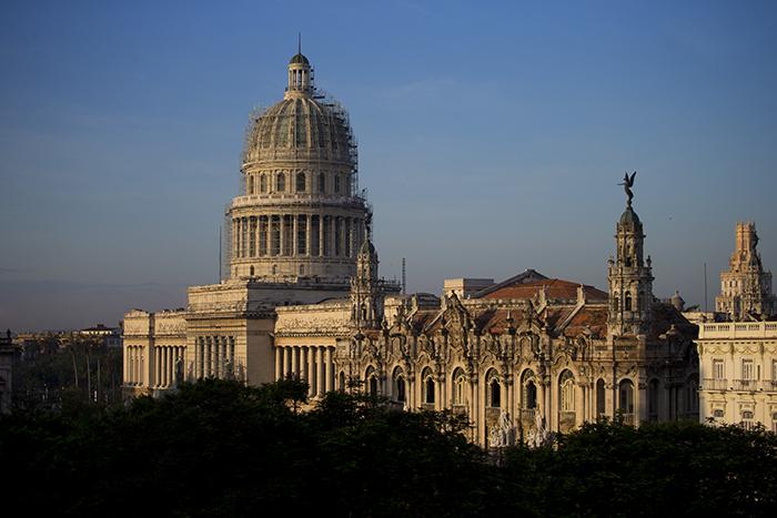 Sunrise on Havana Capitol