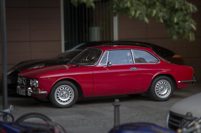 Alfa Sedan
